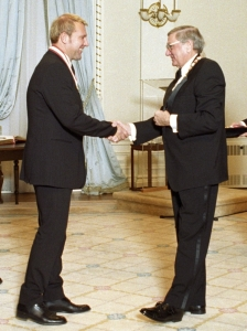 Alex Lifeson receiving the Officer of the Order of Canada Medal